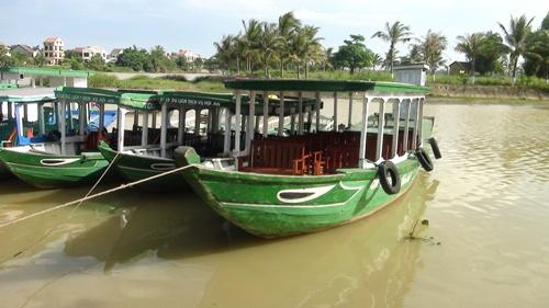 トゥボン川ジャングルクルーズ