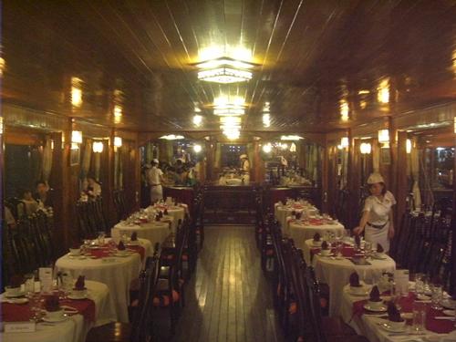 夜はこれに決定!夕食付き!サイゴン川のディナー・クルーズ